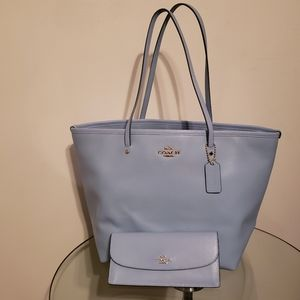 Coach leather tote bag with wallet